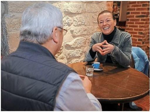 Le Parisen : Cette entrepreneuse recrute d'anciens patrons